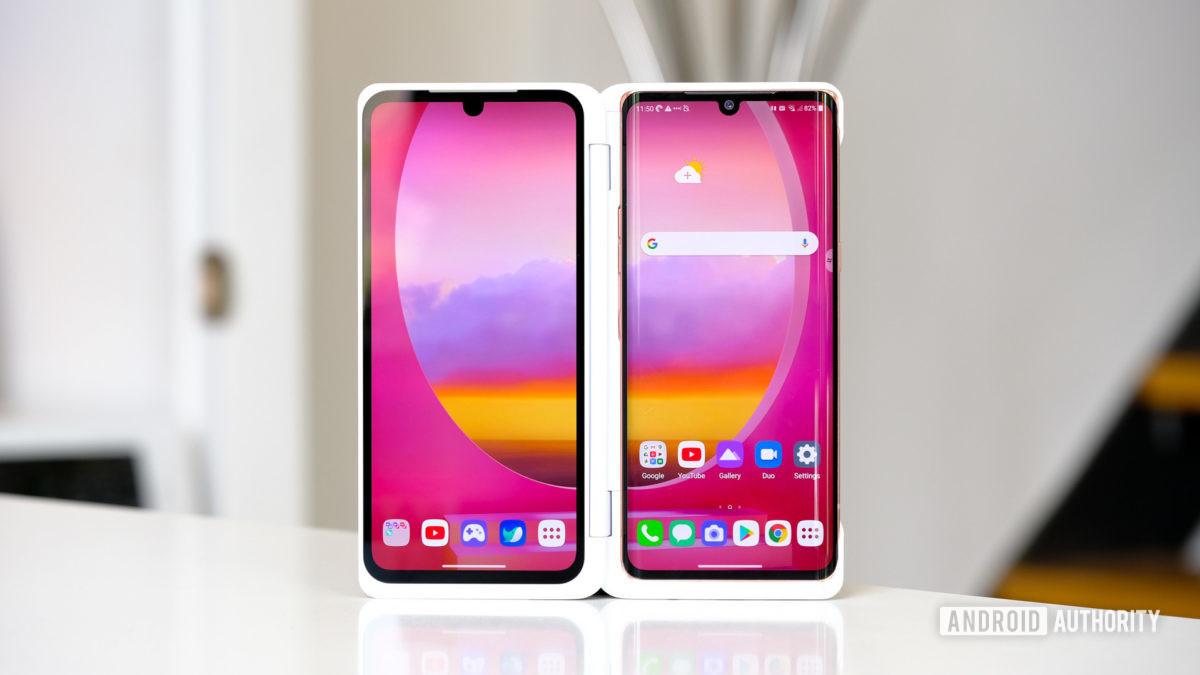 LG Velvet стоит в двойном экране