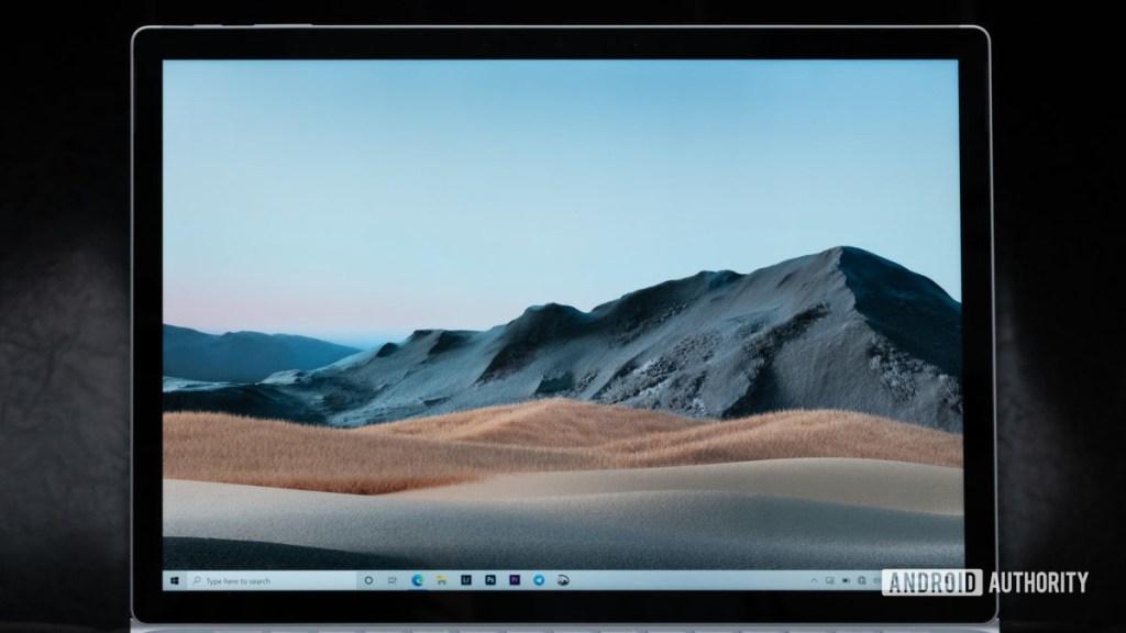 Дисплей Microsoft Surface Book 3 крупным планом