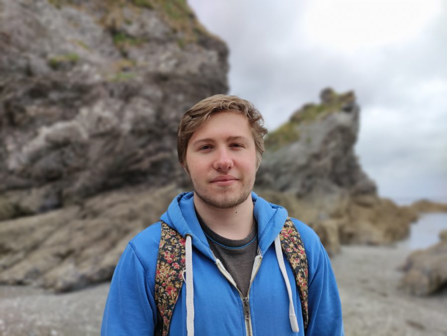 Тест камеры Poco F2 Pro Портретный тест на открытом воздухе на пляже