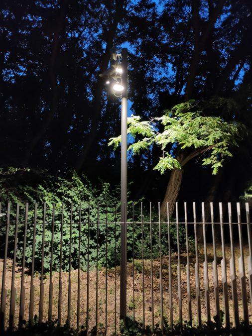 Realme X3 Superzoom ночной режим фото фонарного столба в 1x