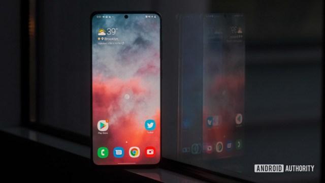 Samsung Galaxy S20 Ultra screen in the window 4