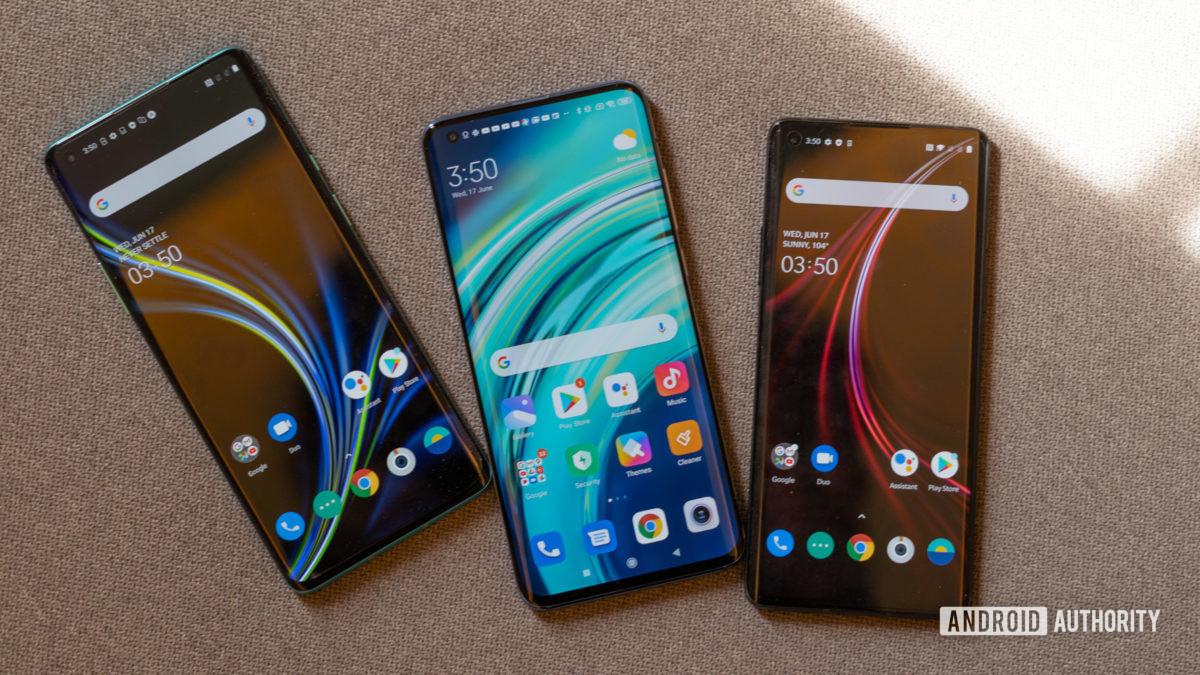 Xiaomi Mi 10 против OnePlus 8 дисплеев