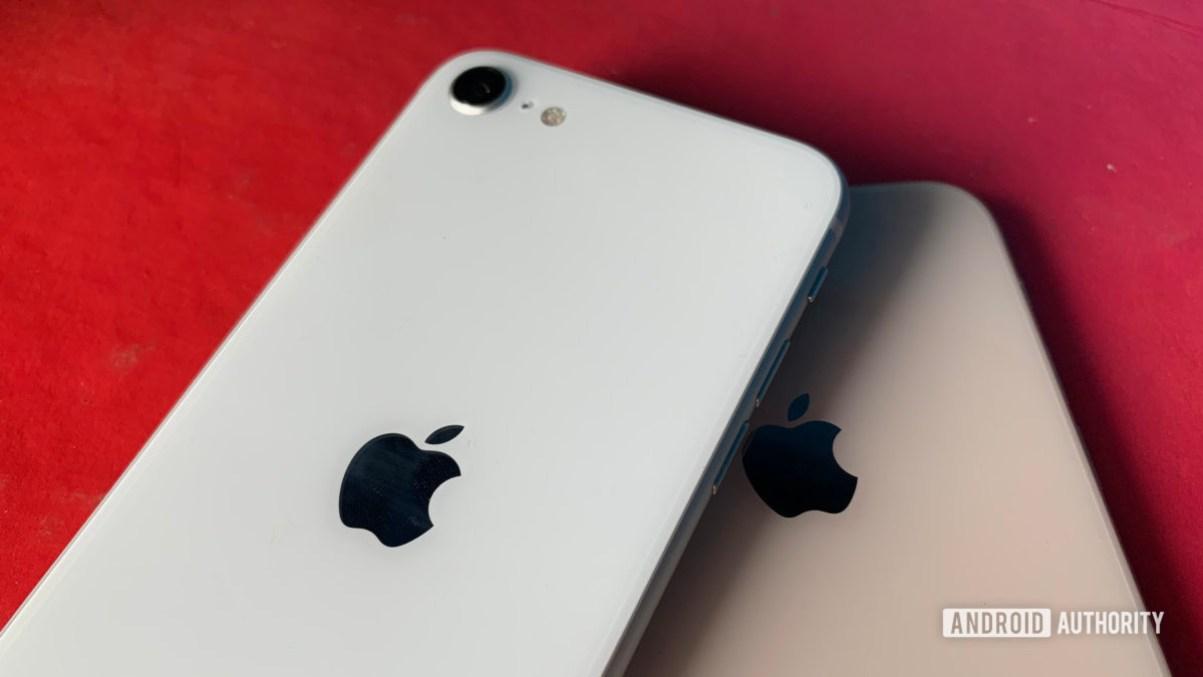 iPhone SE 2020 против iPhone 8