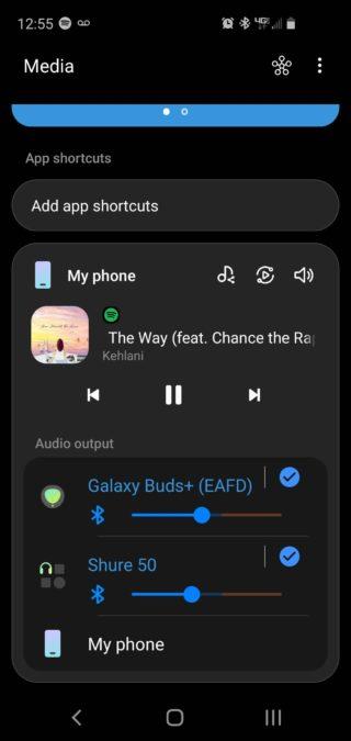 Снимок экрана Samsung Dual Connect в меню «Мультимедиа» с выводом песни Spotify на два отдельных устройства.