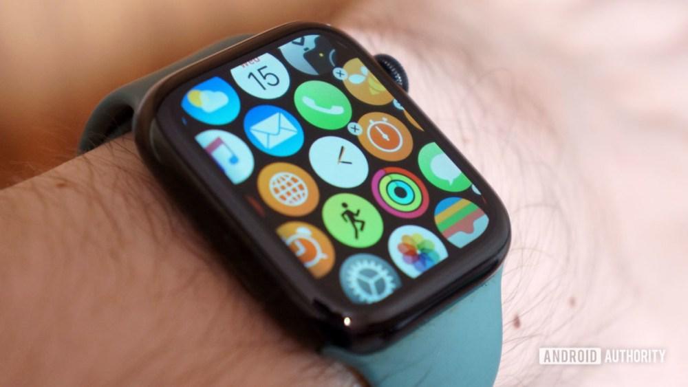 Delete Apple Watch Series 5 apps