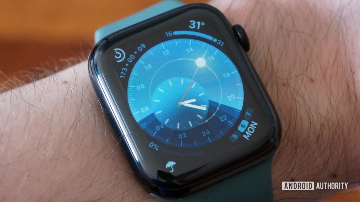 apple watch series 5 солнечный циферблат aa