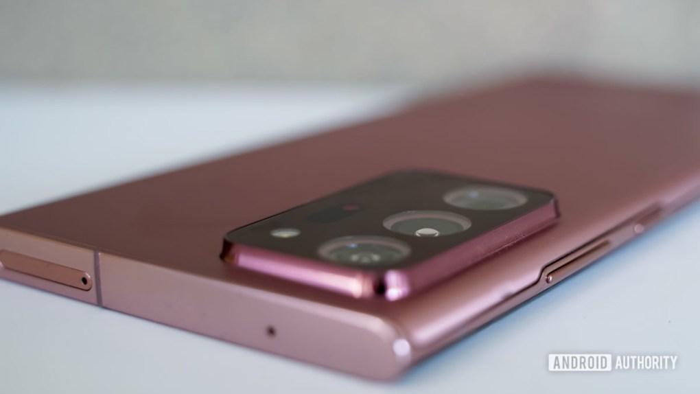 Samsung Galaxy Note 20 Ultra top edge