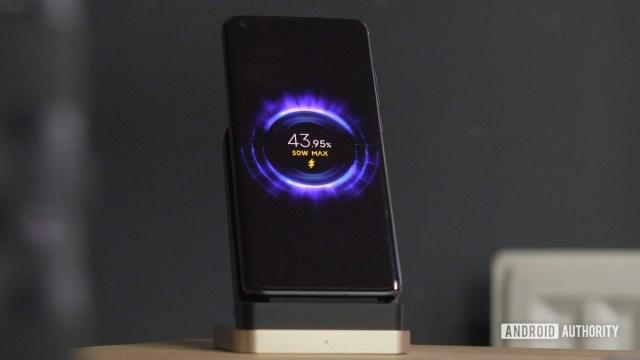 Xiaomi Mi 10 Ultra hızlı kablosuz şarj ekranı