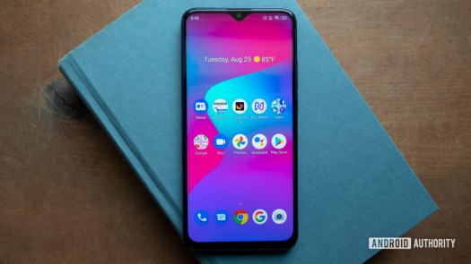 blu g90 pro review on table display home screen 2