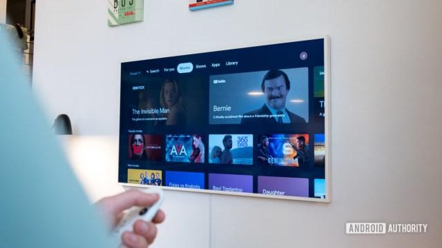 Google Chromecast с вкладкой фильмов Google TV