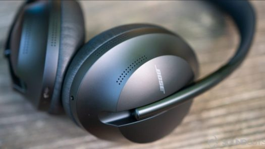 bose headphones 700 up close
