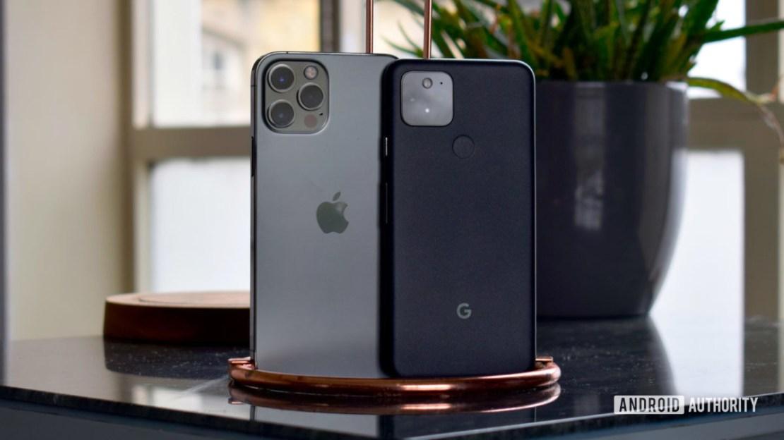 Apple iPhone 12 Pro vs Google Pixel 5 EOY 2020