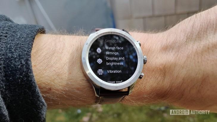 Zepp Z Review on Wrist Settings