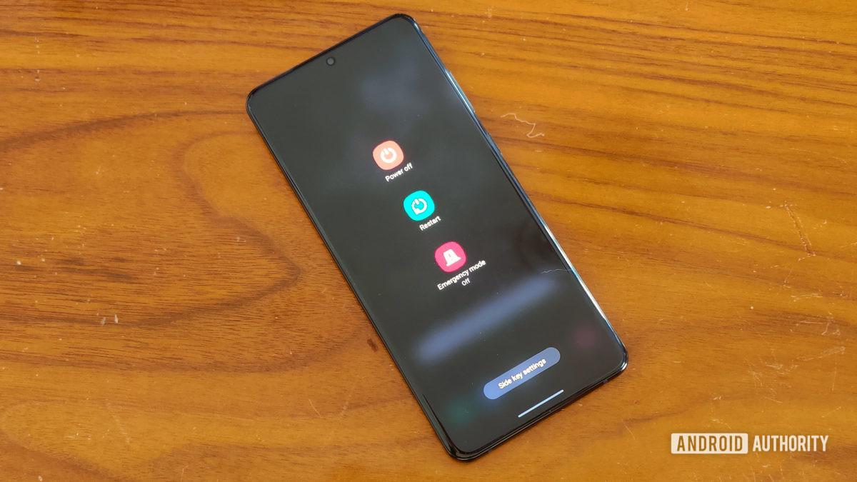 One UI 3.0 apresenta menu de energia