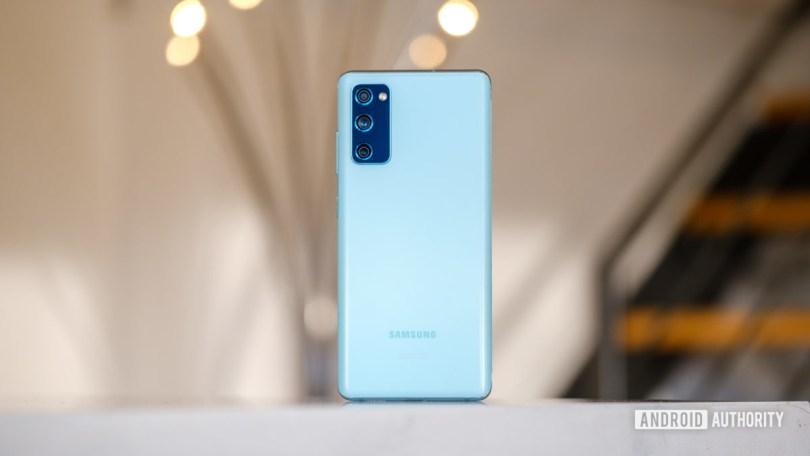 Samsung Galaxy S20 FE back 1
