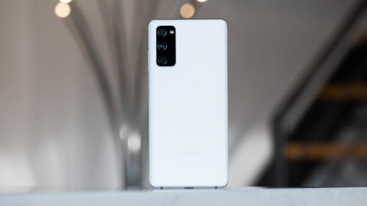 Samsung Galaxy S20 FE back 5