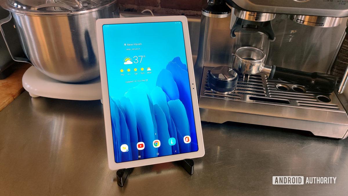 Tablet Samsung Galaxy Tab A7 2020 com eletrodomésticos para cozinha