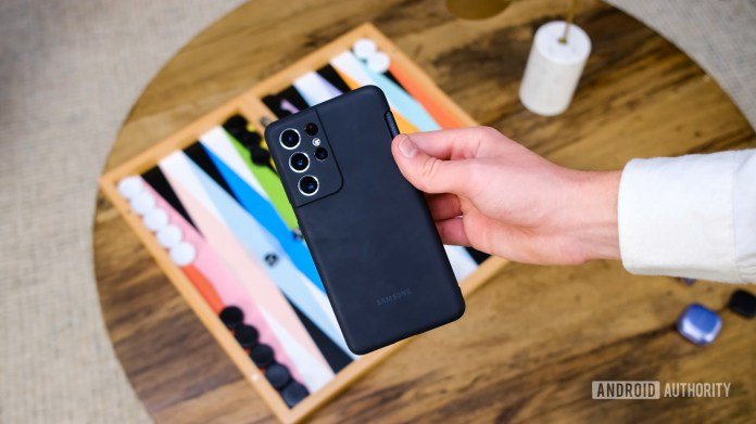 Samsung Galaxy S21 Ultra silicone case in hand 2