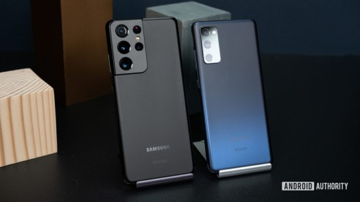 Samsung Galaxy S21 Ultra vs Samsung Galaxy S20 FE 4