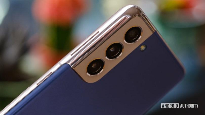 Samsung Galaxy S21 side camera macro 1