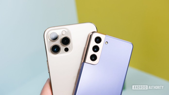 Samsung Galaxy S21 vs Apple iPhone 12 Pro Max 1