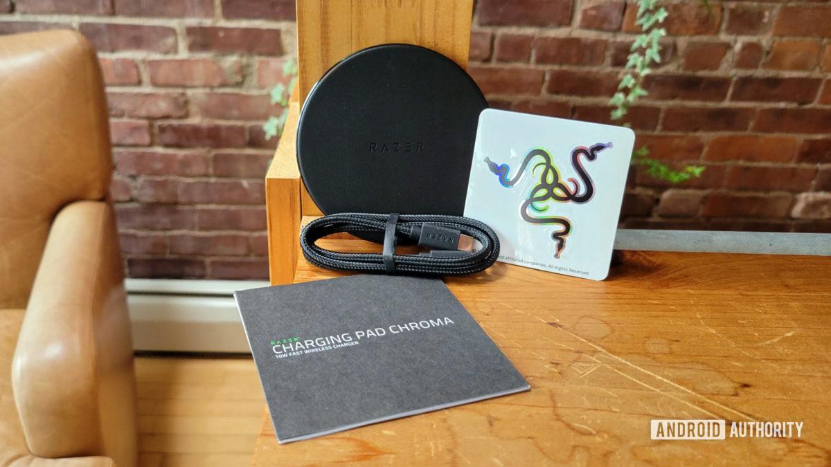Razer Charging Pad Chroma Review no conteúdo da caixa