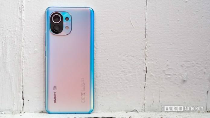 Xiaomi Mi 11 hero shot