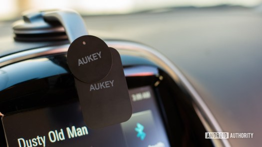 Aukey Car Magnetic Phone Mount review 3