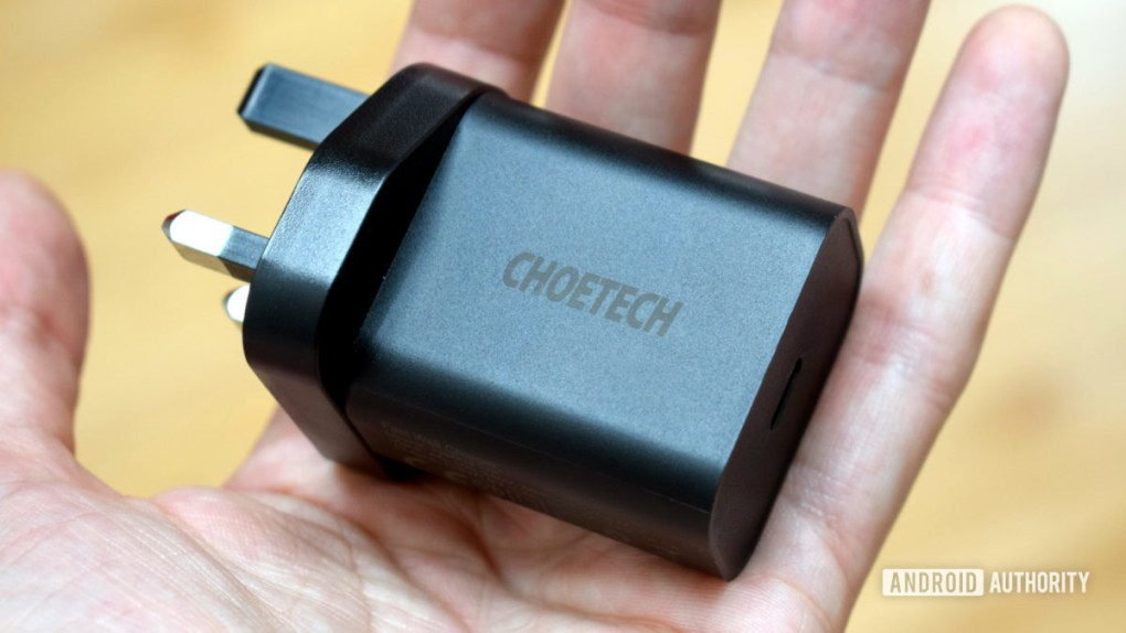 Choetech USB C charger 18W charger size