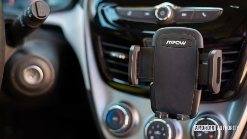 Mpow Air Vent Car Mount Pro review 10