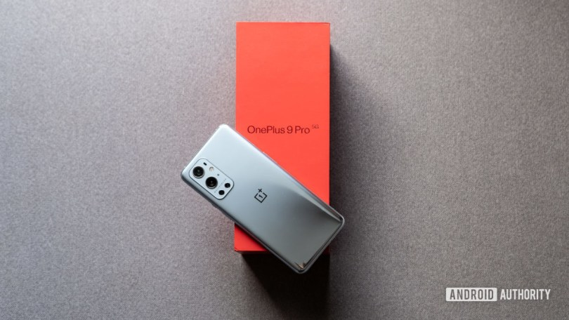 OnePlus 9 Pro review lead image on box