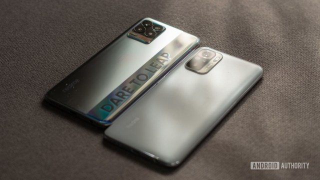 Realme 8 vs Redmi Note 10 side profile and buttons