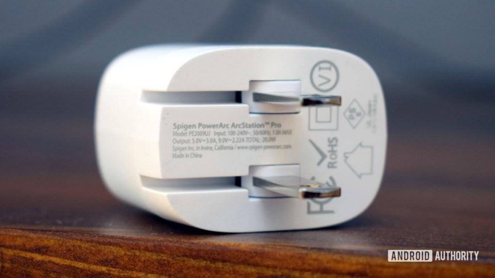 Spigen PowerArc 20W ArcStation Pro Wall Charger specs