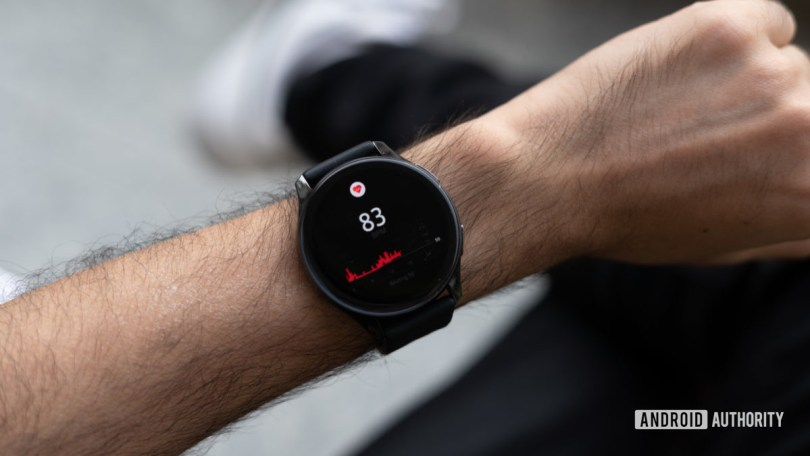 OnePlus Watch review heart rate monitoring
