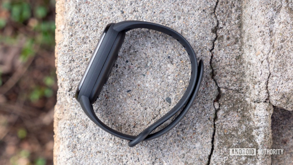 xiaomi mi band 6 review strap on cement