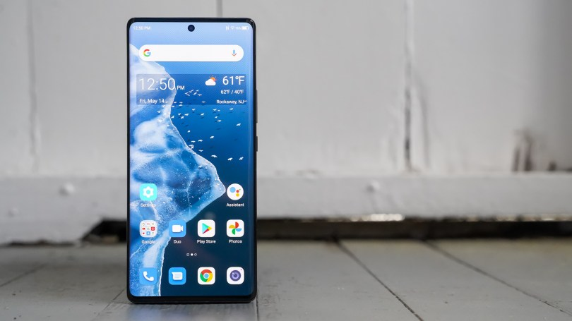 ZTE Axon 30 Ultra screen to the left