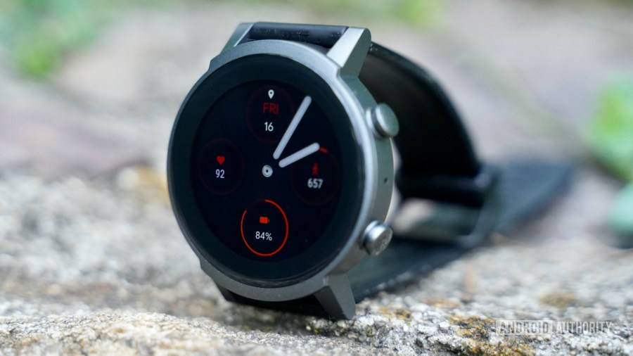 Mobvoi TicWatch E3 profile with face on