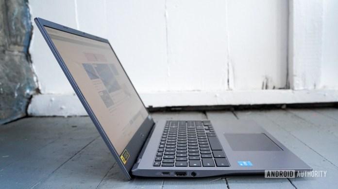 Acer Chromebook 515 left edge