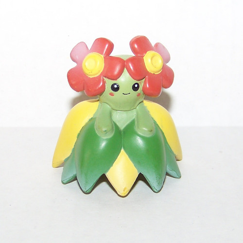 Pokemon Bellossom Tomy Figure