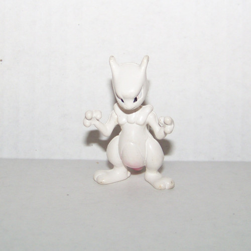 Pokemon Mewtwo Tomy Figure