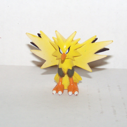 Pokemon Zapdos Tomy Figure