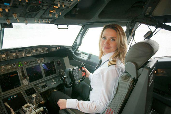 سÙيتلانا يميرينكو، أول امرأة طيار ÙÙŠ شركة بيل Ø¢Ùيا البيلاروسية