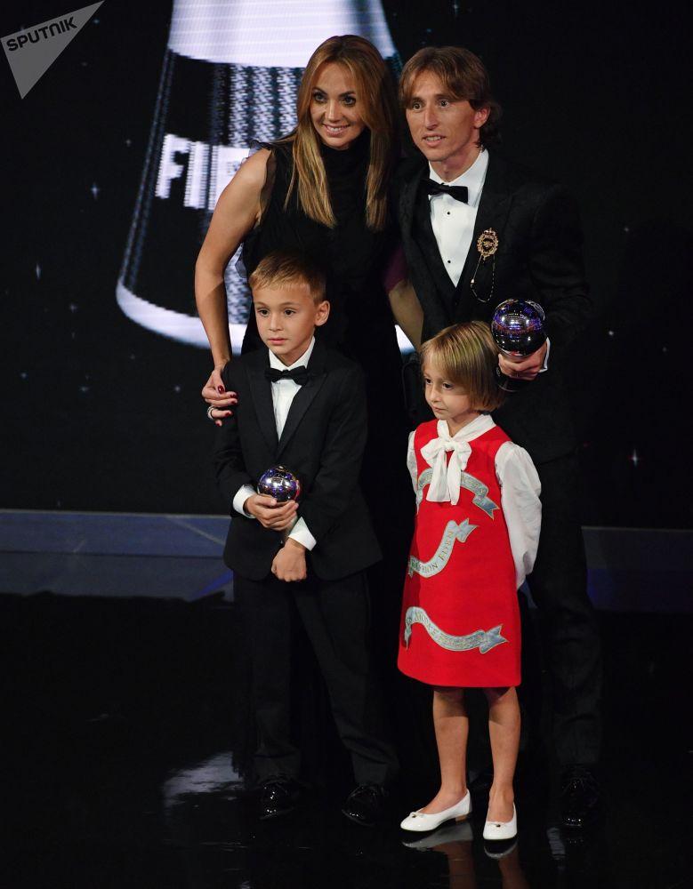 نجوم كرة القدم يتألقون في حفل جوائز الـفيفا Sputnik Arabic