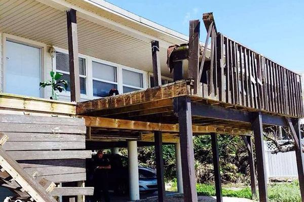 Collapsing Deck Dumps Four At Florida Beach House JLC