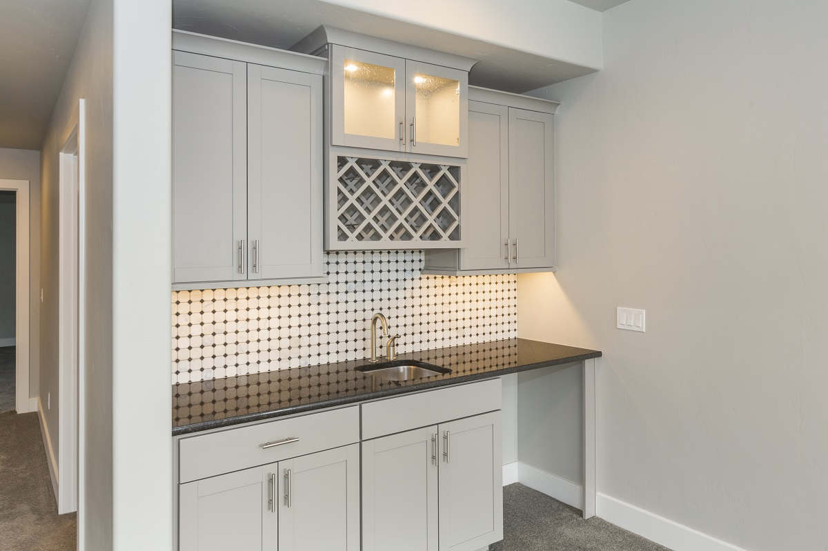 Analysis | Build a great wet bar in your basement ... on Small Wet Bar In Basement  id=92574