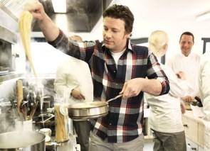 Jamie_Oliver_cooking