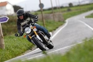 Triumph Thruxton 1200 review