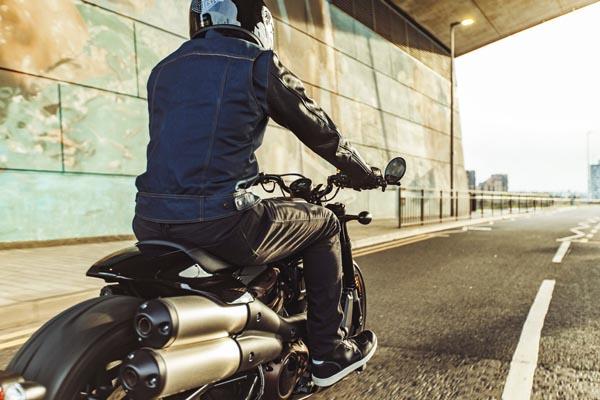 2021 sportster s riding urban in scotland