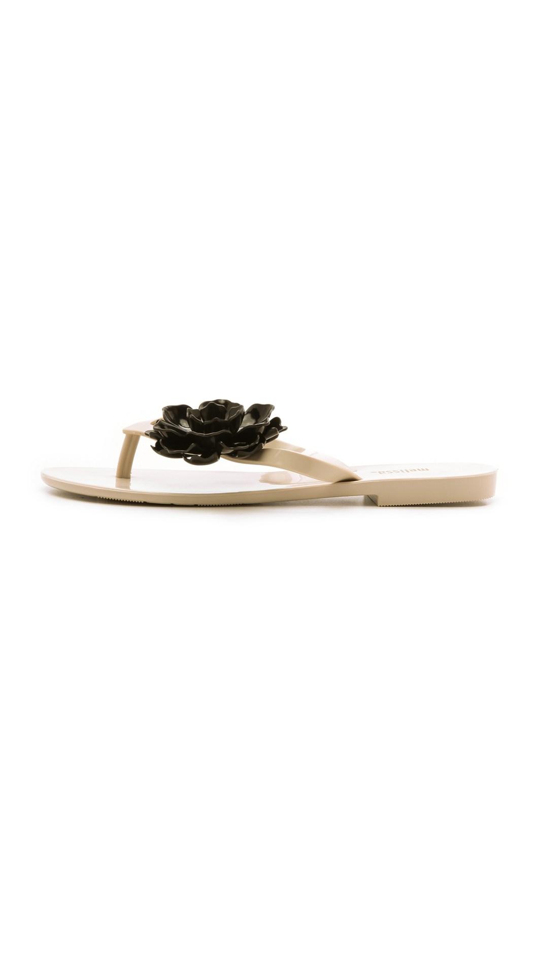 e2132b527 Lyst Melissa Harmonic Flower Flip Flops Cream Black In Natural
