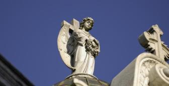 Les Méthodistes Unis croient-ils aux saints ? Les Méthodistes Unis célèbrent la Toussaint, mais pas de la même manière que l'Église Catholique. Lire la suite